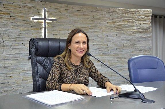 A ligeirinha Paula Lemos