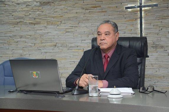 João Mulata louva secretários