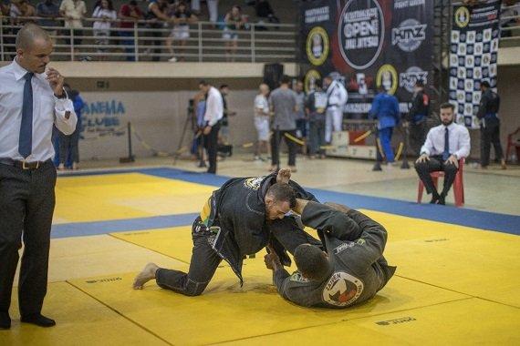 Zaiden conquista duas medalhas em competição de jiu-jitsu