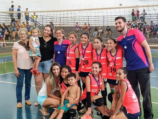Barretos é campeã na Copa Colina de Vôlei Feminino