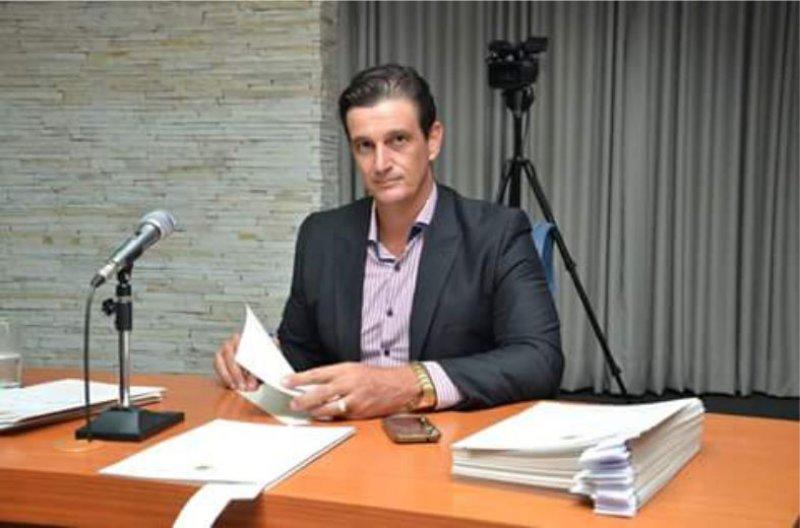 Rejeição de contas pode levar impedimento de candidatura de Juninho Leite