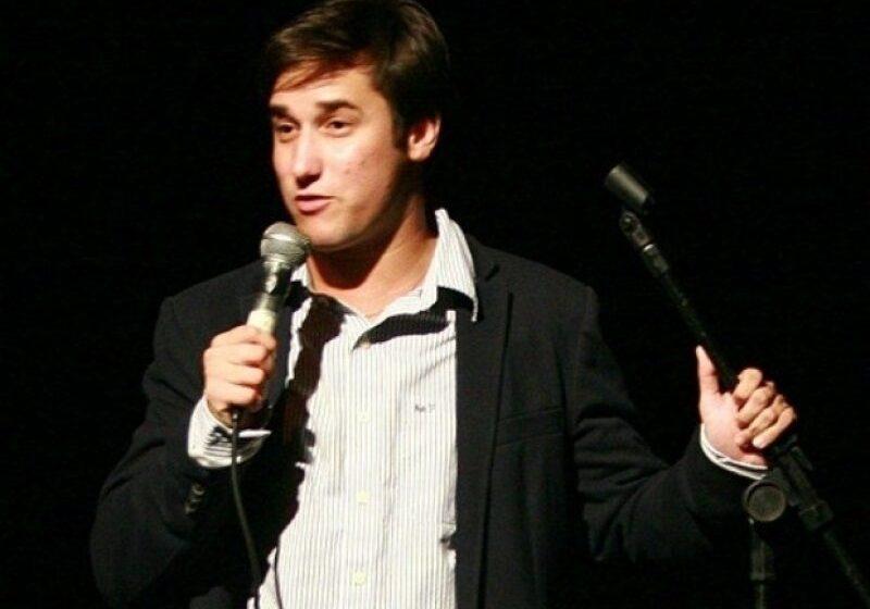 Ator Filipe Pontes apresenta show de humor 'Personalidades' em Barretos