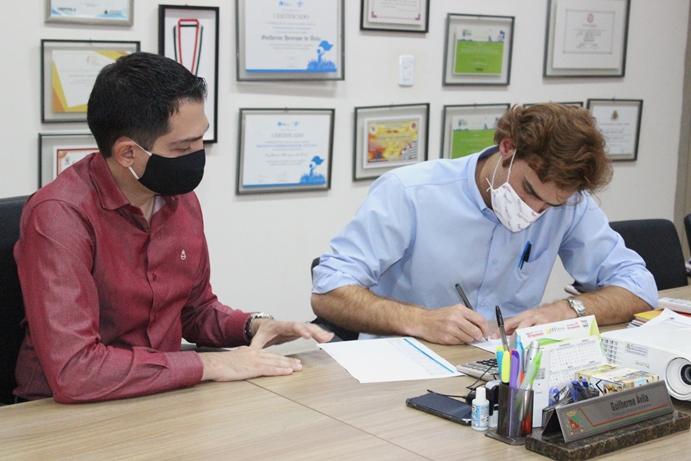 Santa Casa recebe cinco respiradores para uso no gripário