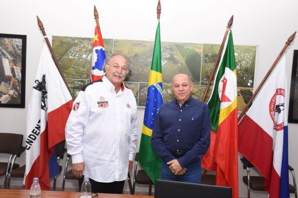 Jerônimo Muzetti assume décima gestão em Os Independentes