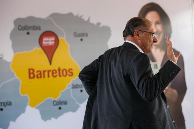 Alckmin acelera ida para partido