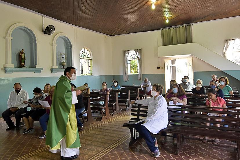 Missas nas comunidades católicas rurais