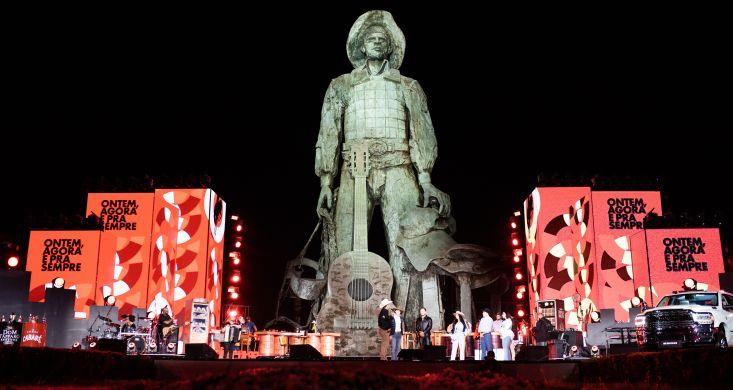 Festa do Peão de Barretos pode durar três semanas em 2022, sugere presidente, durante live