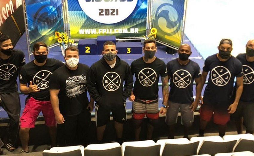 Atletas de jiu-jitsu conquistam 2 medalhas de prata e 3 de bronze